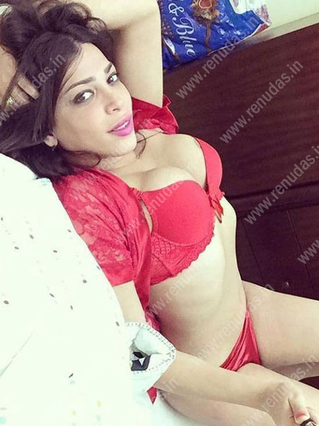 busty escorts in Nashik